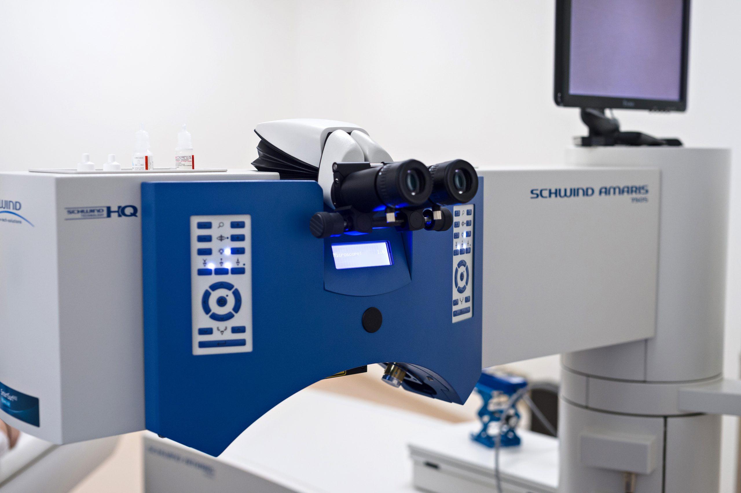 Laser Schwind Amaris 750S opération des yeux